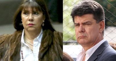 La Nación / Sanción a diputada: Efraín Alegre acusa, pero olvida