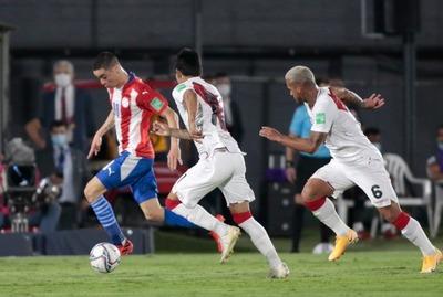 Paraguay empata con Perú en su debut
