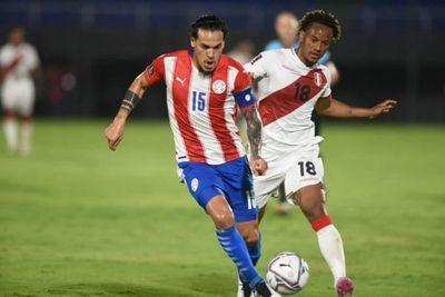 Paraguay paga sus errores y cede un empate en casa ante Perú