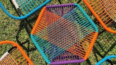 La silla cable evoluciona: los mobiliarios de Debarro estilizan lo tradicional
