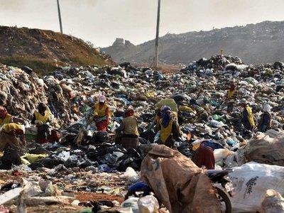 Pelea por monopolio  compromete la  disposición  de basura de Asunción