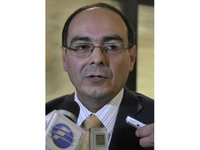 Con cambio en Cancillería, Rivas iría al exterior o Itaipú