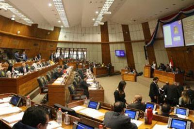 Diputados investigados o blanqueados censuran y atropellan la Constitución