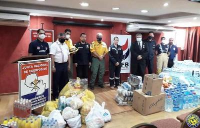 Copaco dona alimentos y agua a la Junta Nacional de Bomberos •