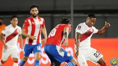 Perú amarga debut de Paraguay rumbo a Catar •