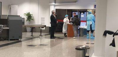 Ante críticas, defienden el protocolo aprobado para apertura del aeropuerto