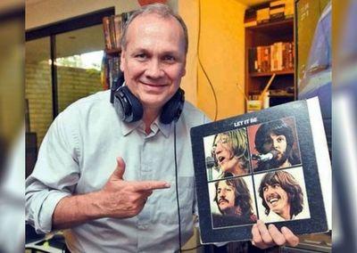 Los 80 de John, de la mano de un beatlemaníaco