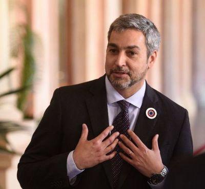 No estamos tan mal, dice Mario Abdo enojado ante críticas sobre sus logros