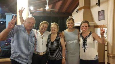 Familia de exvicepresidente inicia espacio radial «Conversando con Óscar»