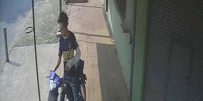 Roban la moto a un joven trabajador en Concepción