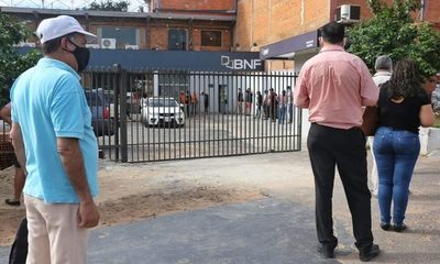 IPS no asegura pago de aguinaldos a trabajadores suspendidos