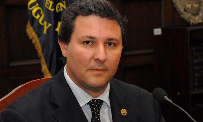 Filizzola considera «linchamiento» destitución de parlamentarios pedida por gremios