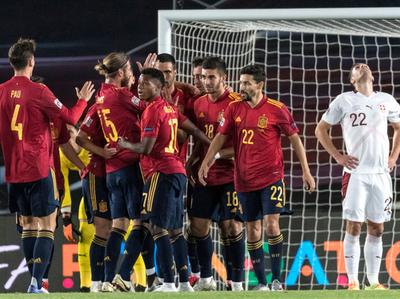 España vence sin lucirse a Suiza