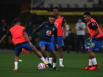 Brasil ya prepara el duelo frente a Perú