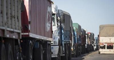 La Nación / Camioneros se quejan por la poca ganancia