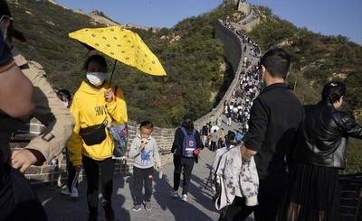 HOY / China alcanza los 56 días sin contagios locales