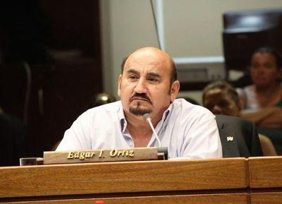 Filtran audio donde el diputado Edgar Ortiz amenaza con destituir a Celeste Amarilla