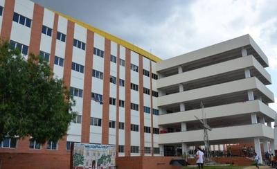 HOY / Trabajadores del Hospital de Clínicas exigirán el pago de gratificaciones