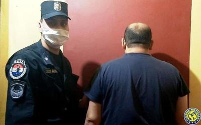 Padre detenido por amenazar con matar a sus hijos •