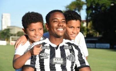 HOY / Robinho vuelve al Santos con 36 años y por poco más que un salario mínimo