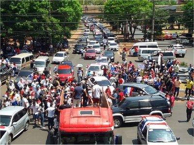 Kelembu incidenta manifestación contra Javier Zacarías en el Este