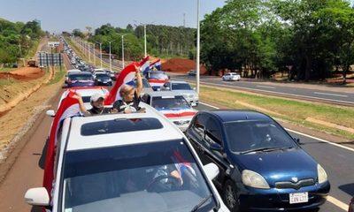 Miles de ciudadanos en el Este exigen que Zacarías sea expulsado del Senado