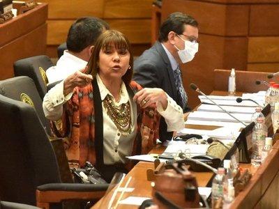 Kattya González anuncia campaña para denunciar sanción a Amarilla