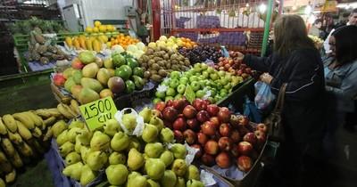 La Nación / Para hidratarse recomiendan agua y no jugos de frutas