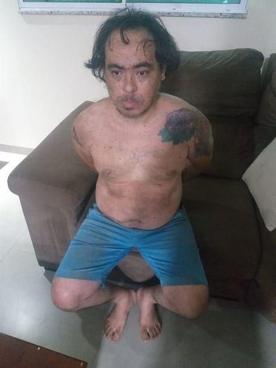 Delincuente internacional se escondió por varias horas en chimenea de su casa y luego fue detenido