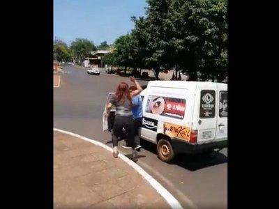 Kelembu ligó una vez más, intentando censurar a manifestantes en Ciudad del Este