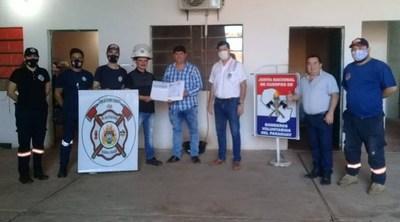 Entregan aporte a Bomberos de San José de los Arroyos