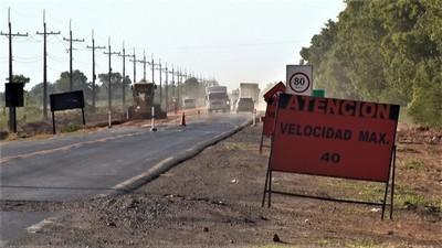Reconstrucción de ruta de acceso a Loma Plata avanza lentamente