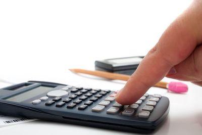 Estimación de déficit fiscal puede reducirse a 6,5%, tras mejora de ingresos y actividad económica