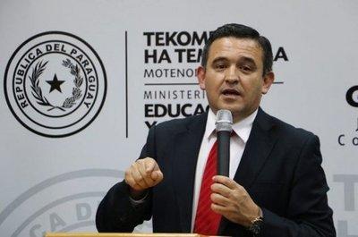 Ministro de Educación anuncia exámenes más rigurosos para futuros docentes
