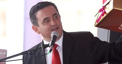 """La Nación / """"A lo mejor, el mío está abajo"""", dijo Petta, dubitativo sobre los decretos de cambios"""