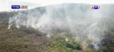 """Incendio de gran magnitud en """"Cerro Antena"""""""