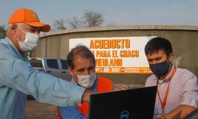 Ministro Wiens verifica obras en el Chaco Paraguayo.