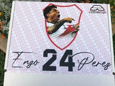 Millonario obsequio a su ídolo Enzo Pérez