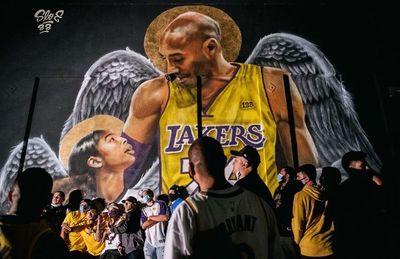 Homenaje a Kobe en festejos del título