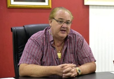 Gobernador habla de descentralización, pero privilegia a empresas de Asunción