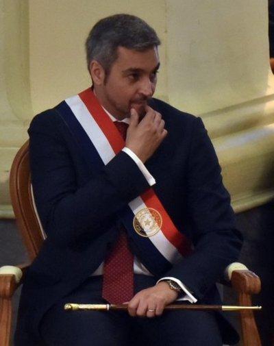 Mario Abdo tiene que bajar línea en suspensión de Celeste Amarilla, según oposición