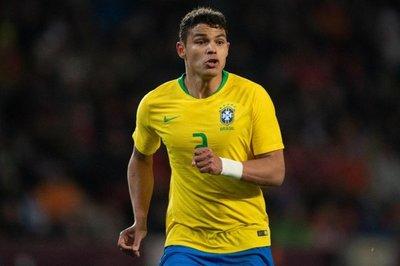 Brasil viaja a Perú sin desvelar alineación y con Thiago Silva como capitán