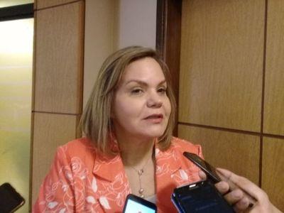 """Samaniego insiste en ampliar cupo político en la Cancillería y alega """"privilegios"""" a quienes siguen carrera"""