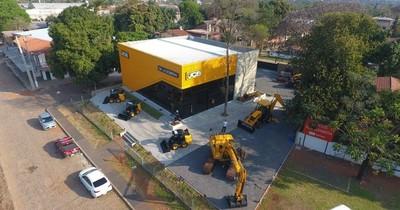 La Nación / De La Sobera habilitó nueva casa central de JCB en Mariano R. Alonso