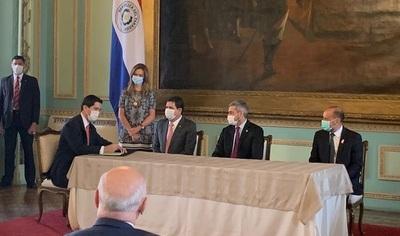 Juró el nuevo Canciller Federico González