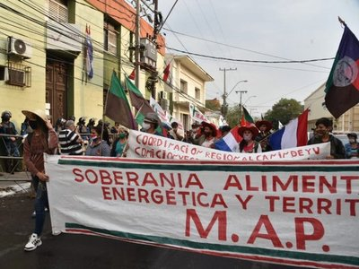 Marcha campesina para exigir condenación de deudas