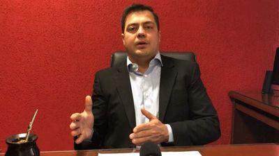 """Diputado calificó de """"manga de falsos"""" a sus colegas de la oposición"""