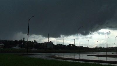 Prevén lluvias, tormentas, fuertes vientos y hasta granizadas para mañana: ¿fin de la sequía?