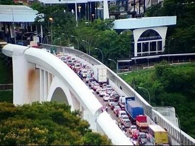 Empleo: antes de abrirse el puente ya contrataron a 10 mil y esperan otros 10 mil más