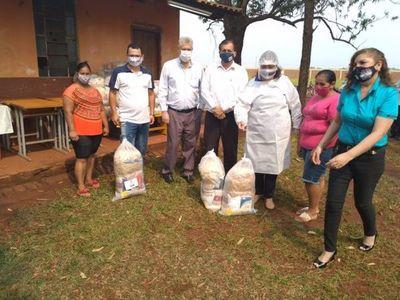 Municipalidad continúa con la entrega de kits del almuerzo escolar
